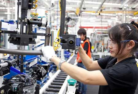 How Workforce Automation Ascends in Manufacturing Sector