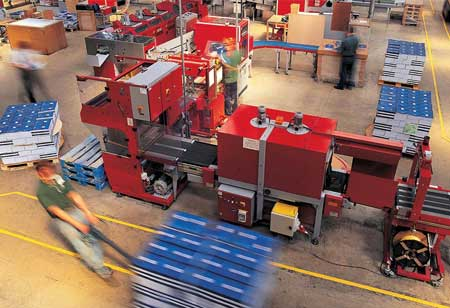 Manufacturing: Advantages of Employing Material Handling Solutions